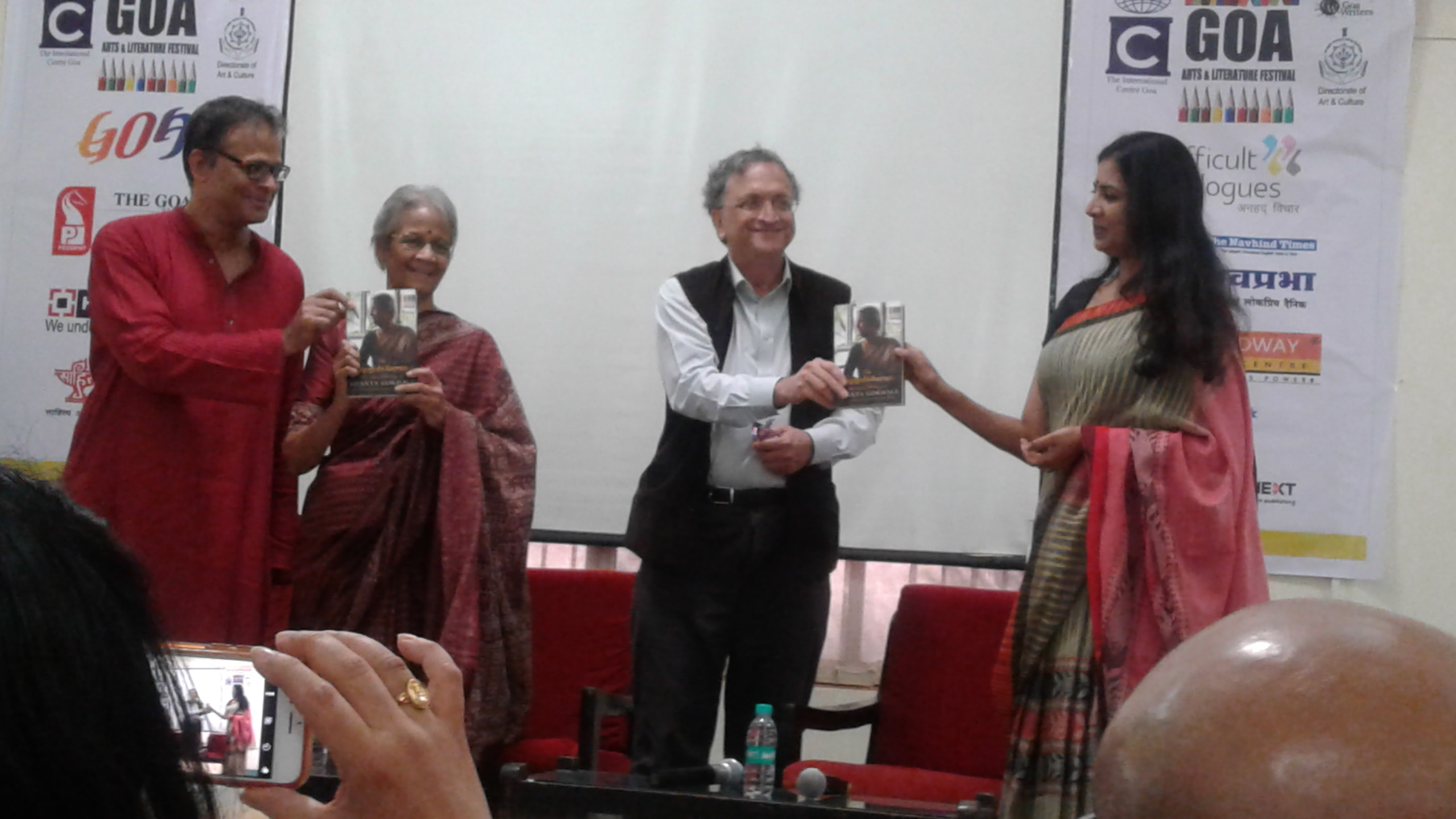 Ram Guha releasing Shanta Gokhale's book