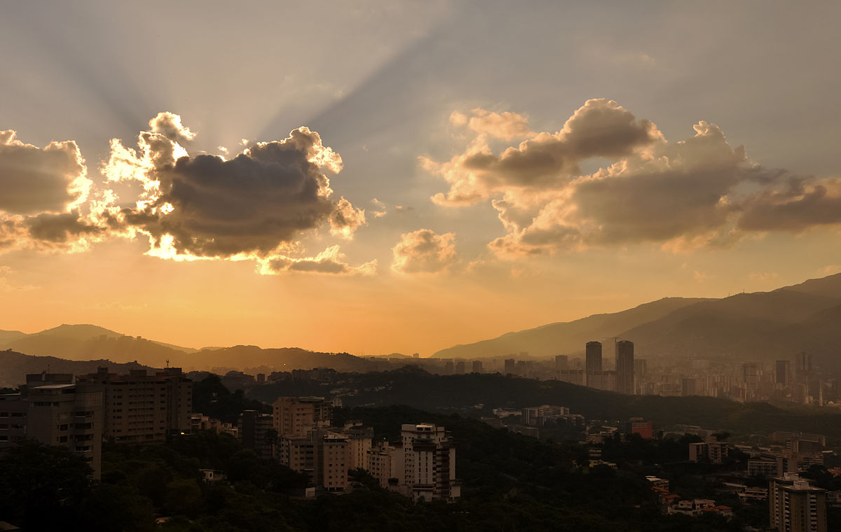 1200px-Caracas_City_from_Bello_Monte