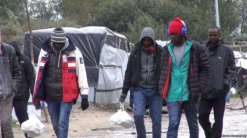 Sudanese migrants in Calais2015 800px
